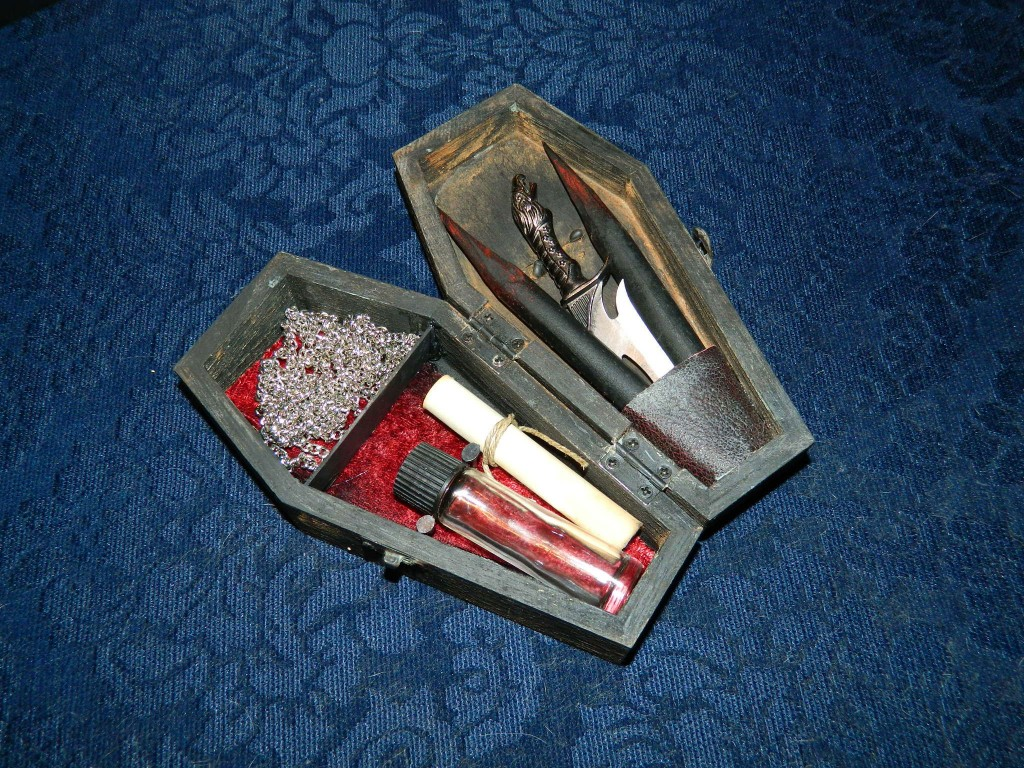 Coffin Vampire Killing Kit